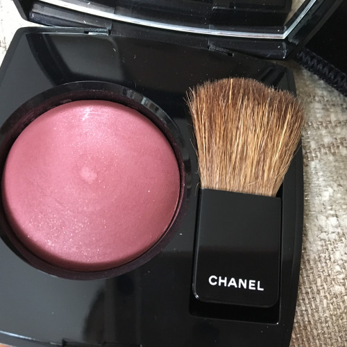 Румяна Chanel Plum attraction.