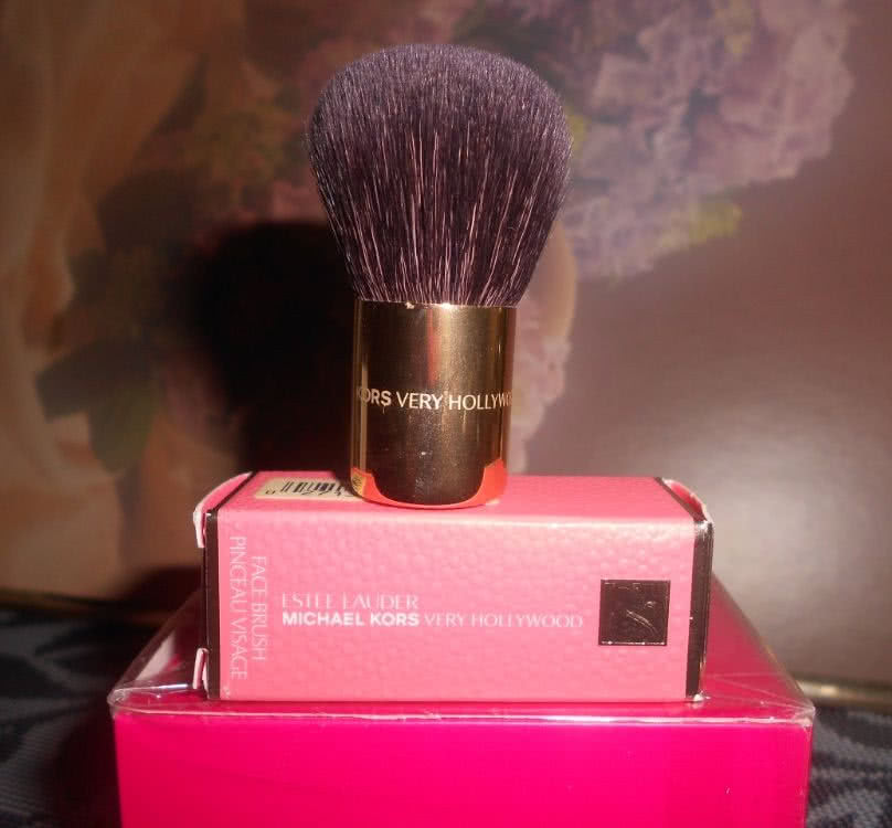Новая кисточка Estee Lauder MichaelKors Very Hollywood